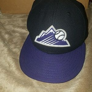 Colorado Rockies Fitted Cap Hat 7 3/4